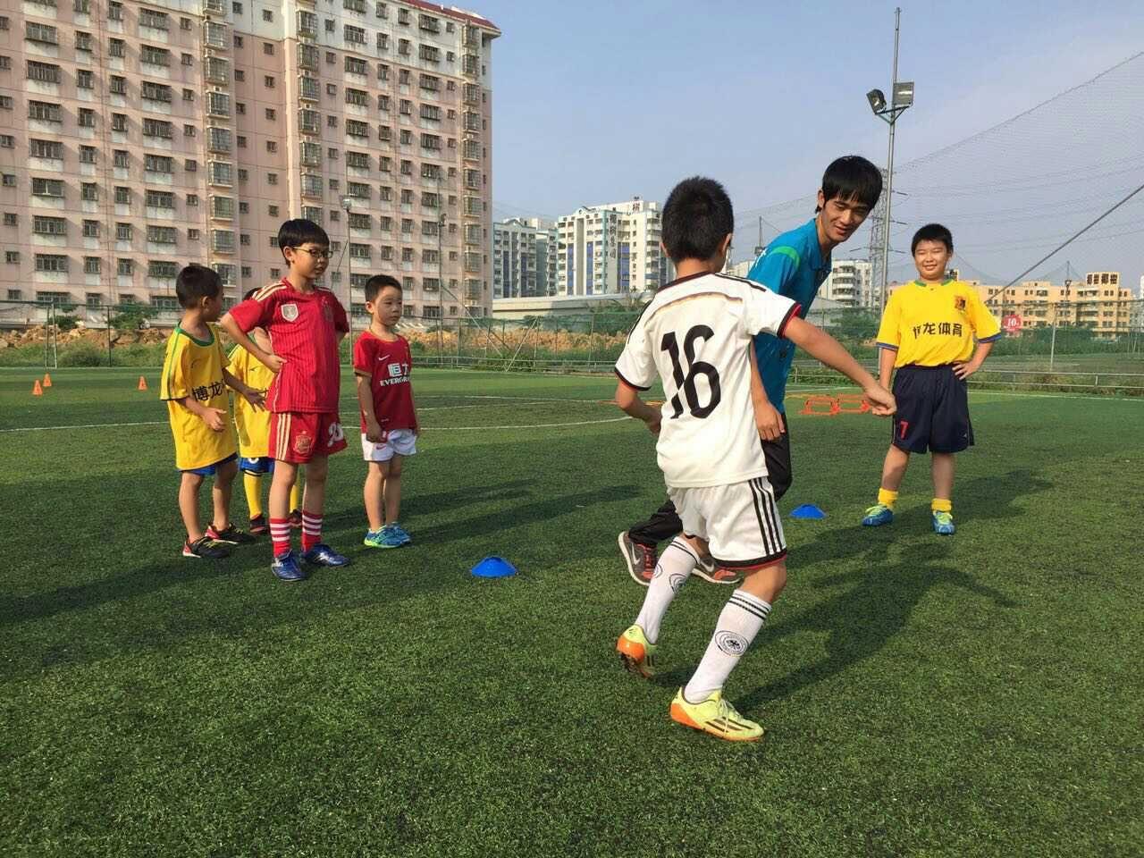 博龙足球培训与你分享足球快乐