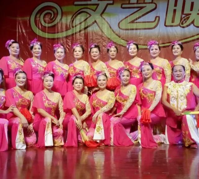 舞动最美夕阳:海南代表队万宁老年大学艺术团力争夺冠