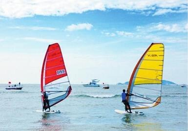 【帆板】2015中国·三亚·城市帆板邀请赛16日三亚湾扬帆