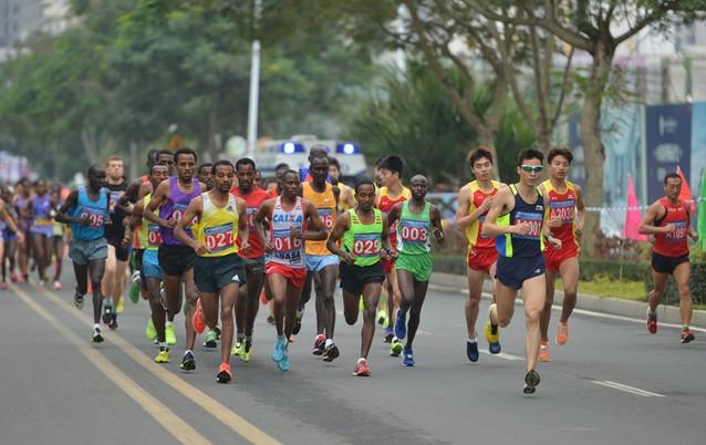 【马拉松】超2万人报名2016海南国际马拉松  孙楠、陈道明携文体明星助阵