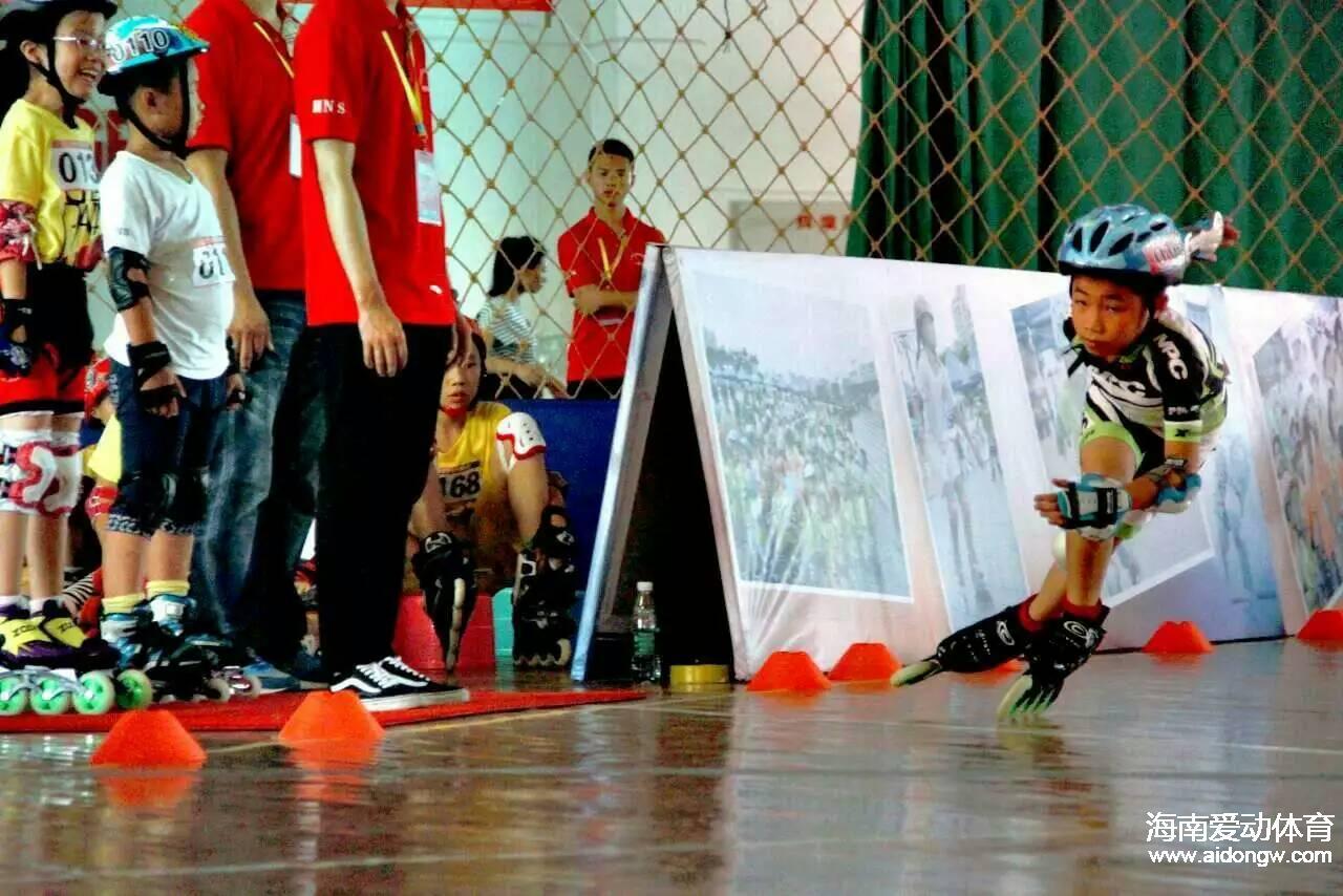 轮滑小将王彦:摔跤大王曾获速滑第一 陪伴是最大动力
