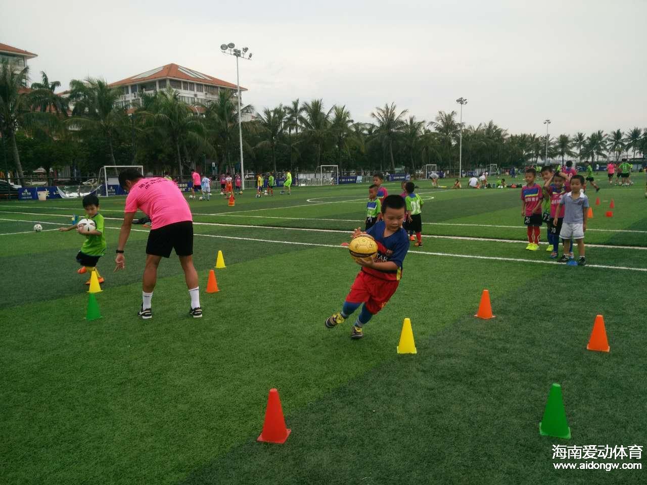 海南虎跃足球培训夏令营第二期培训火热进行中