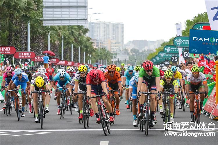 环岛赛第七赛段:不可战胜的神话沃尔沙伊德再夺冠  中国选手马光通表现扎眼