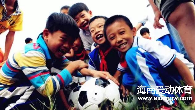 澄迈县足协助教阳光进校园活动启动|助力澄迈青少年足球培养