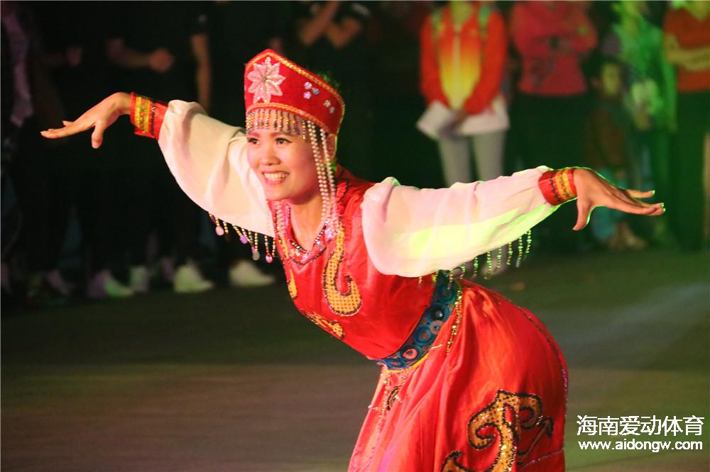 2016年海南省全民健身展演系列活动举行  精彩展演点燃观众热情