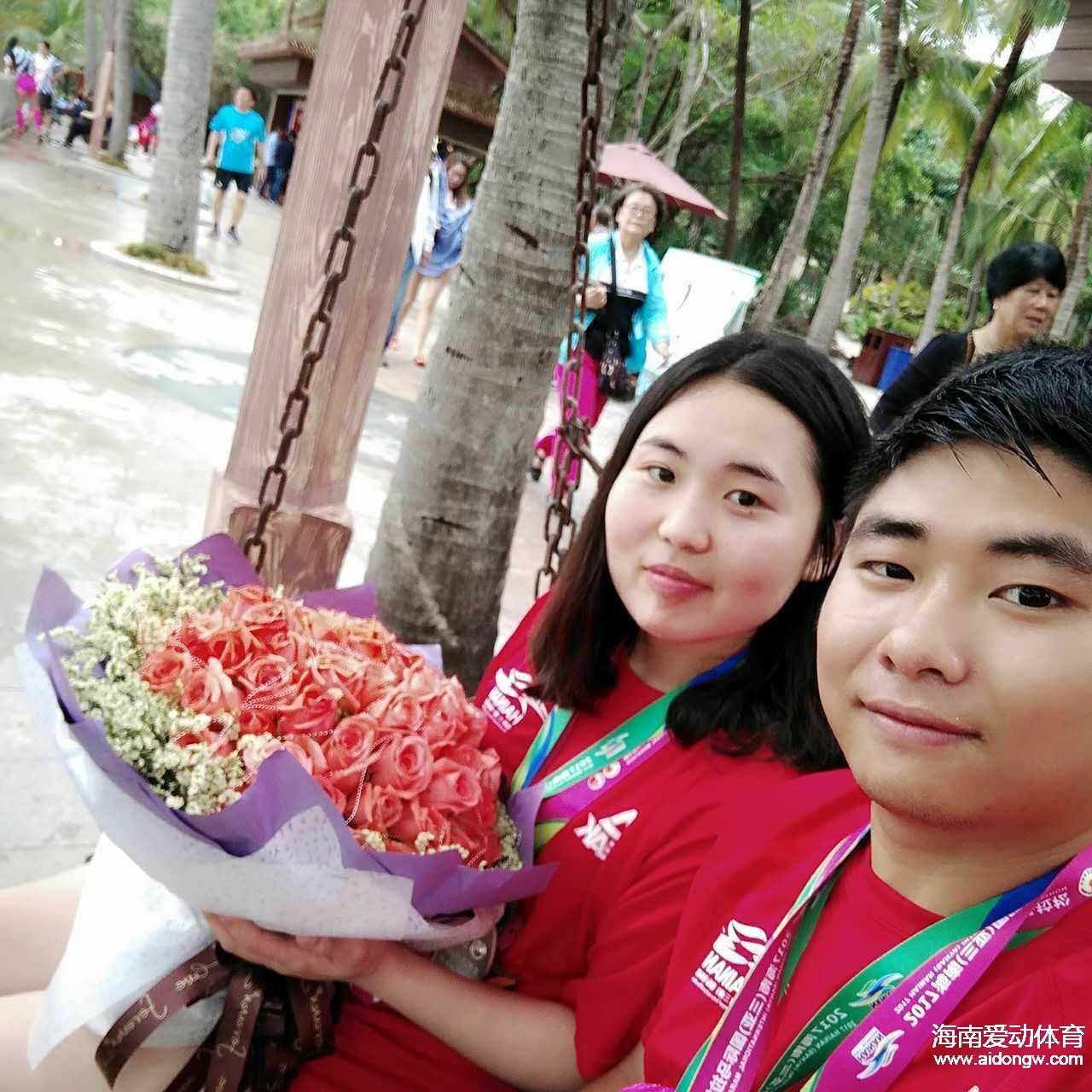 爱情+友情+温情 海南(三亚)国际马拉松跑友暖人心
