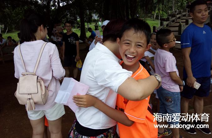 虎跃青训亲子档户外活动澄迈举行 大声向母亲说声爱