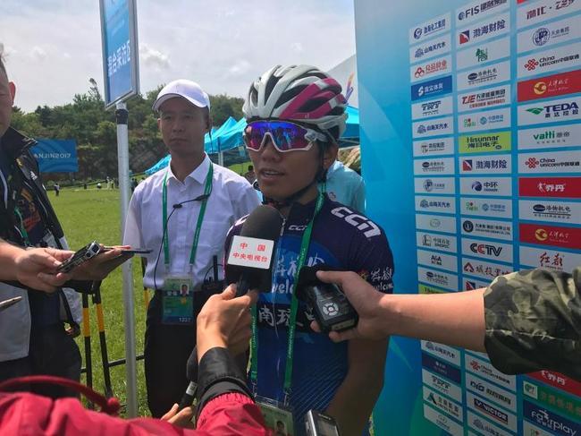海南业余自行车手何冲首次参加全运 战胜一半专业选手位列第14名