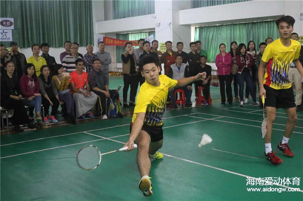 """由于比赛场地重修 2017年海南省""""谁是球王""""民间羽毛球比赛调整至11月18在澄迈举行"""