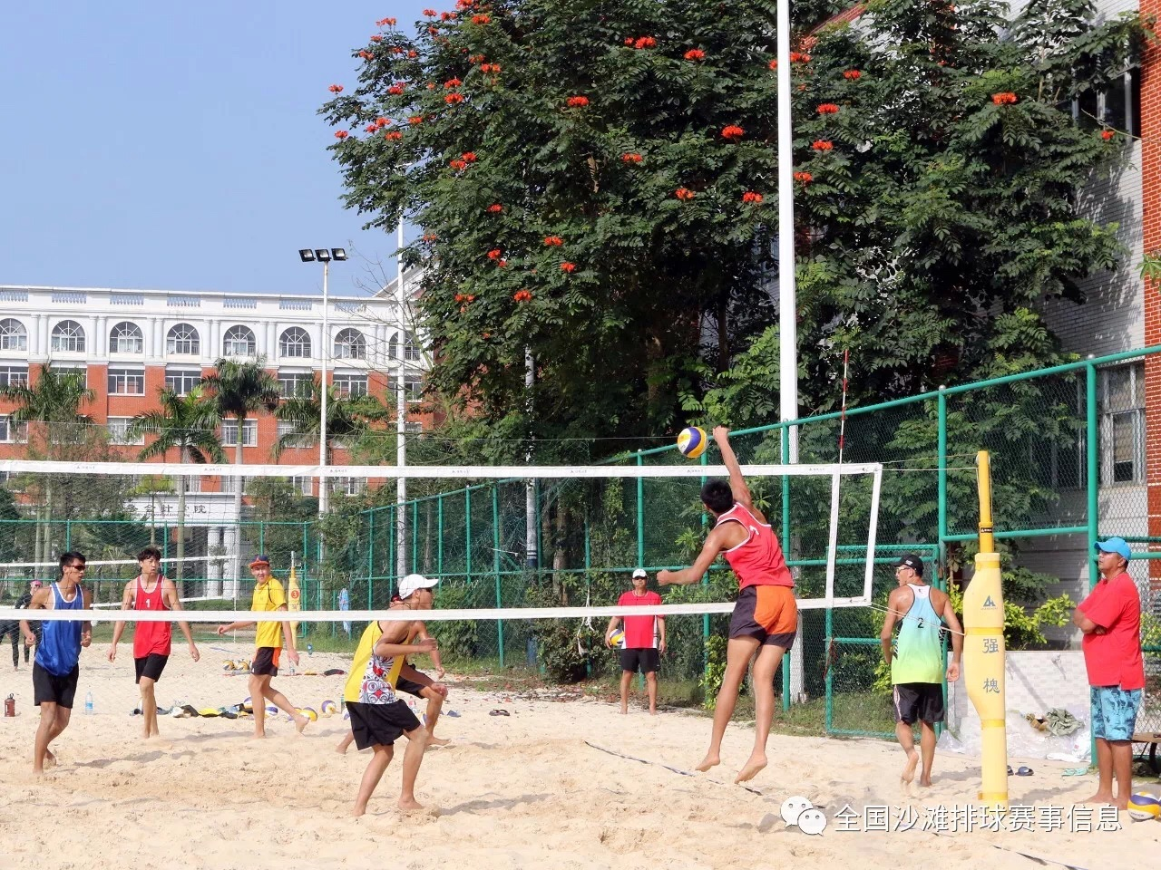 全国十五支沙滩排球队集结海口 马京荣:打好基础 以赛带练