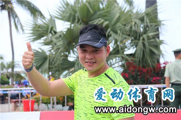 2018海南(三亚)国际马拉松赛激情开赛   参赛选手活力四射