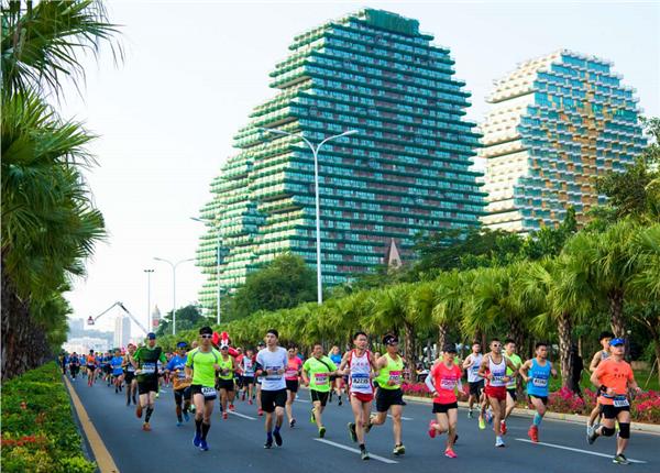 2018海南(三亚)国际马拉松落幕  用奔跑欢庆海南建省30周年
