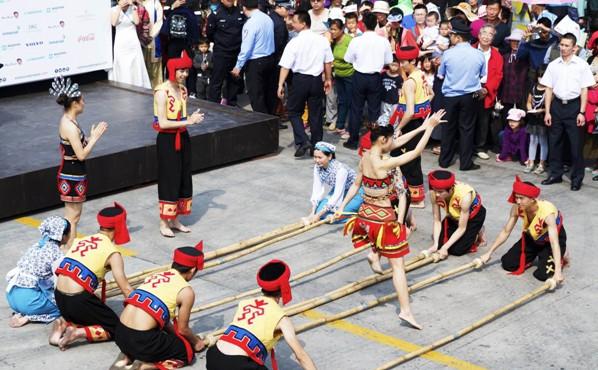 海南(海口)竹竿舞大赛本周六开赛  18个市县比拼舞技