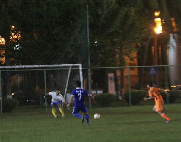 海口市足球超级联赛半决赛结束  琼山青年与红色战车会师决赛