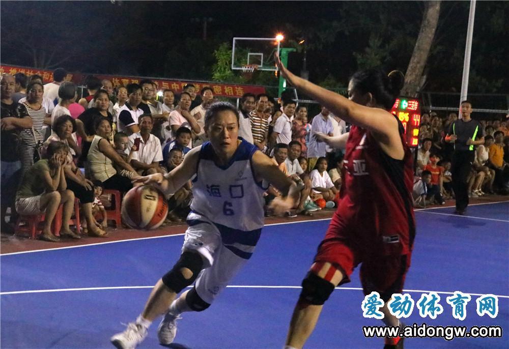 """访省运会篮球赛""""姥姥级""""球员袁航:这个赛场见证了我们的""""芳华"""""""