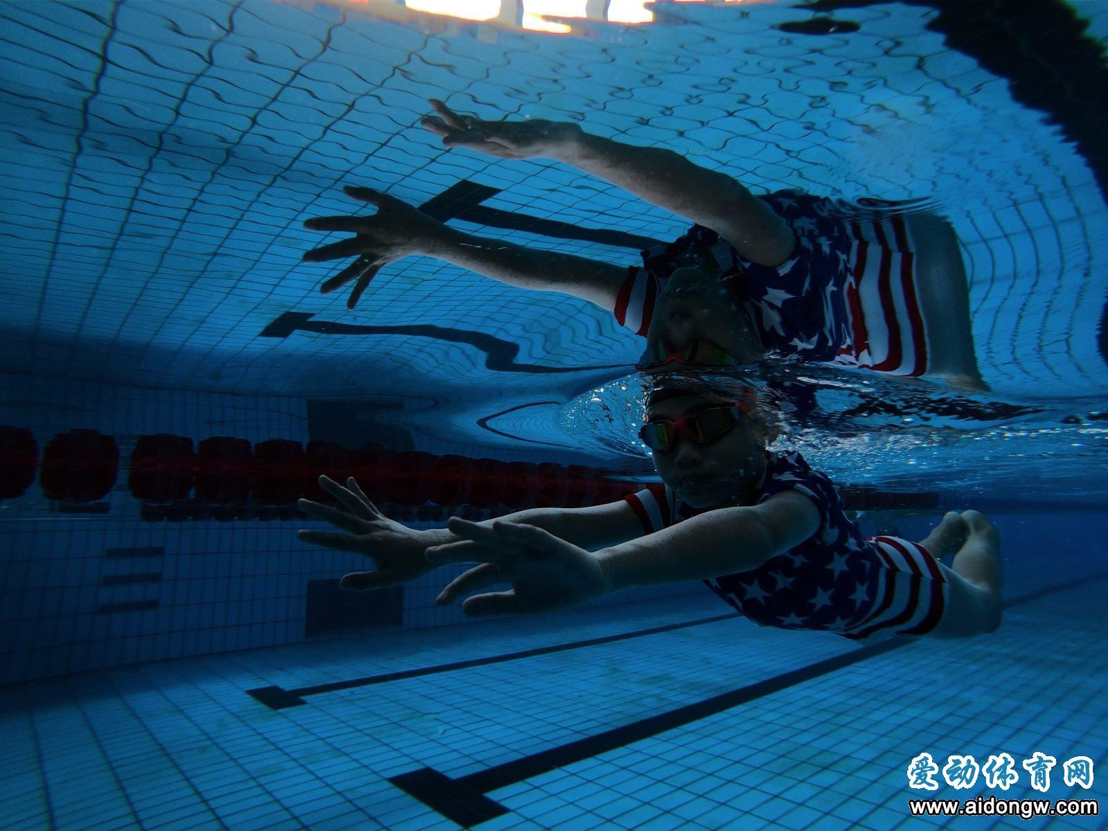 海南多个中小学开设游泳课  学校家长重视程度提高
