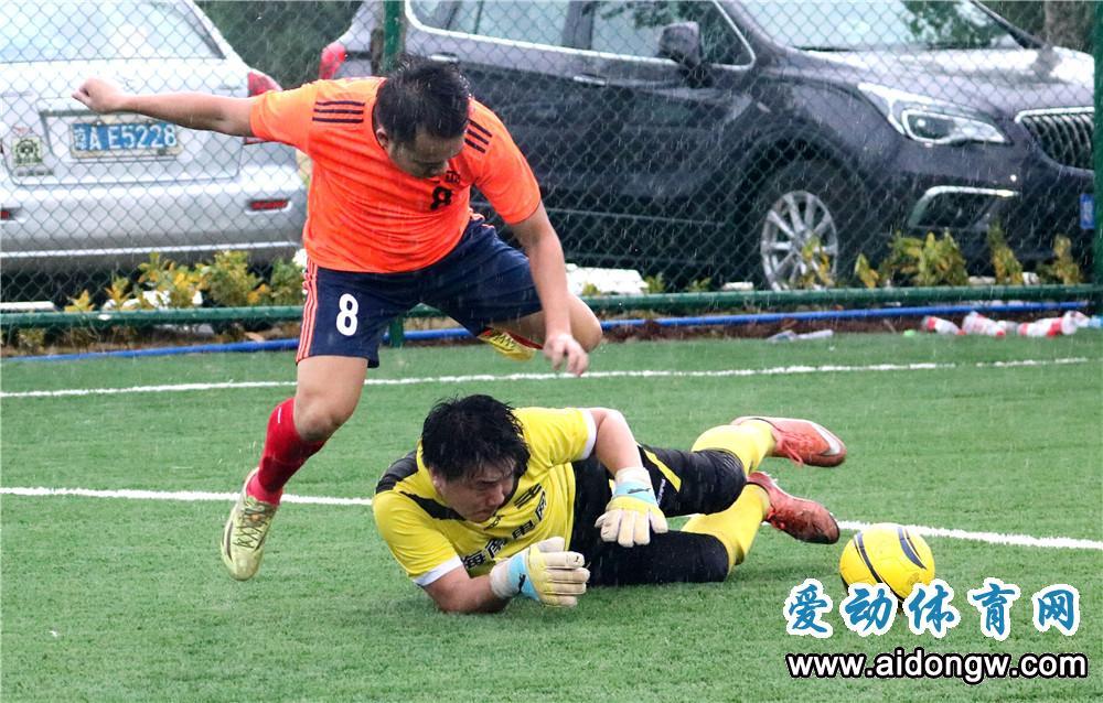 海南第五届运动会群体项目五人足球分区赛海口开战  世界杯点燃草根足球激情