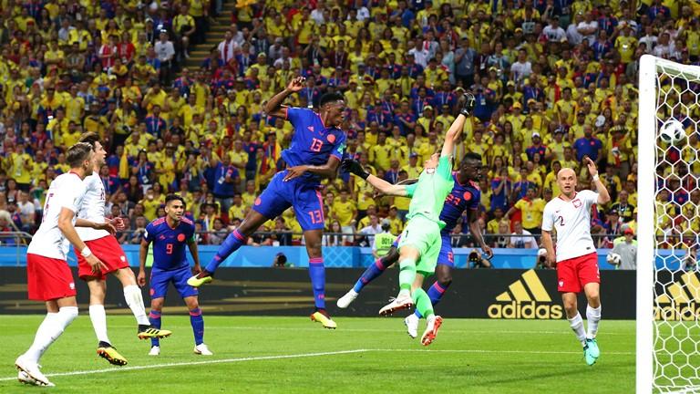 米纳头槌法尔考、夸德拉多锦上添花 哥伦比亚3:0波兰