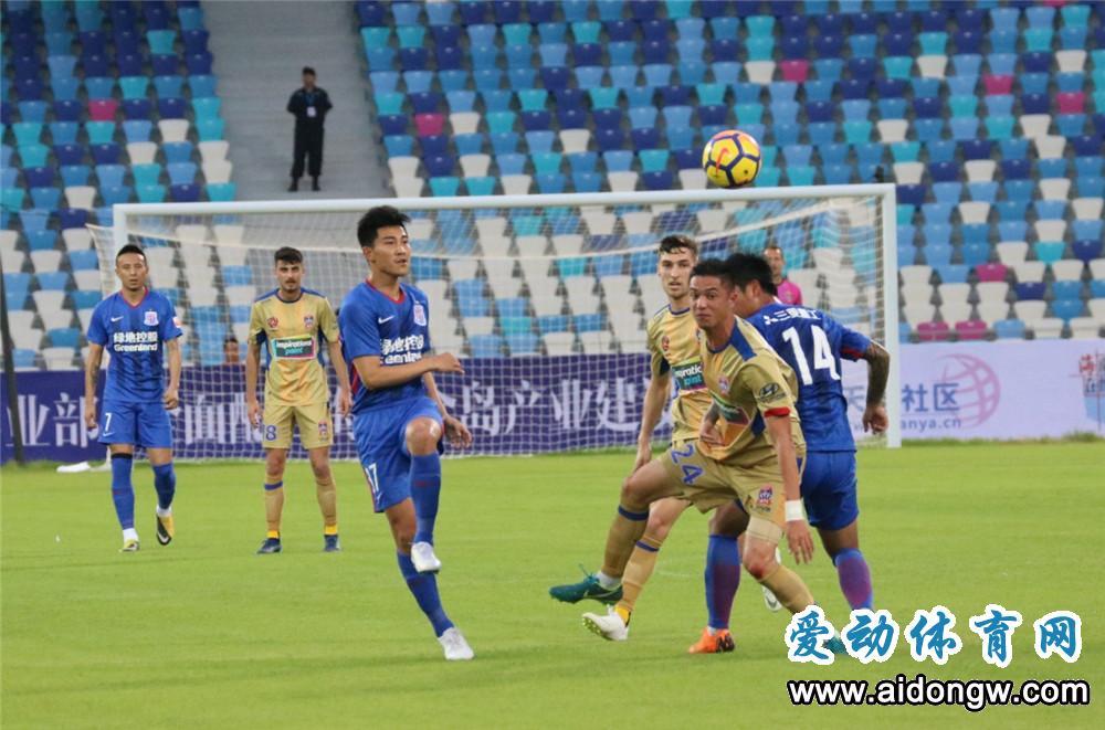 2018海口国际足球赛开赛  酷暑抵挡不住上千球迷的热情