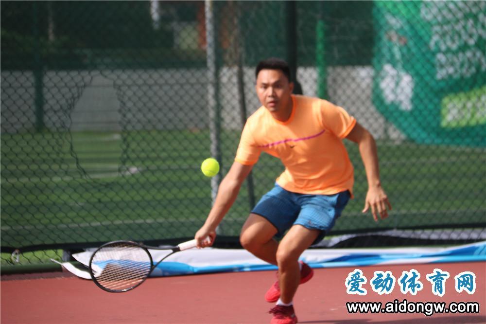 """海南省运会群众比赛网球决赛开赛  选手:勇""""网""""直前以球会友!"""