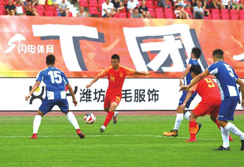 备战亚青赛  U19国青足球队抵达海口集训