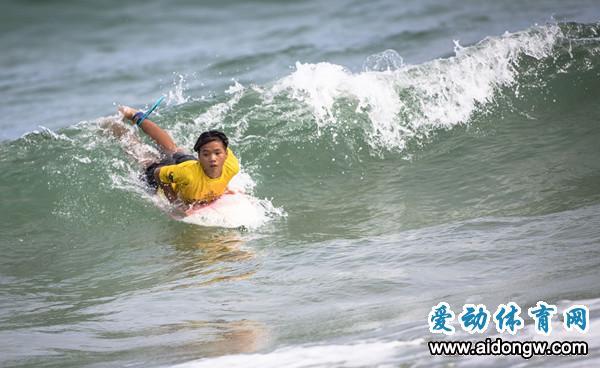 万宁3名选手入选冲浪国家队 出战世界冲浪锦标赛