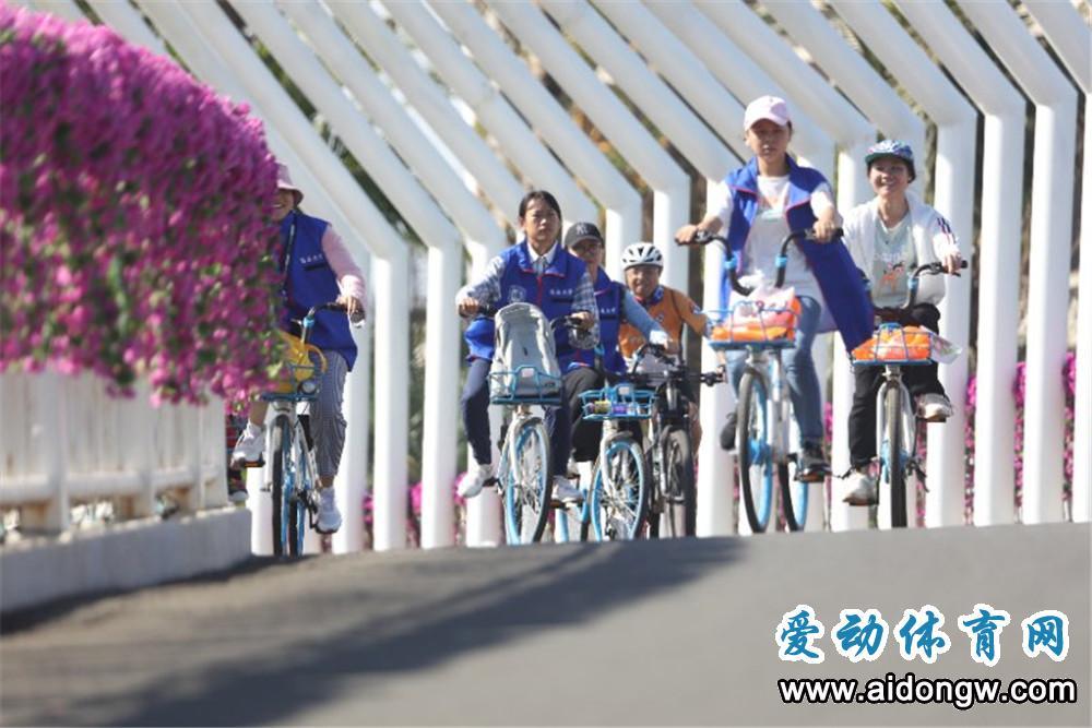 2018世界无车日环岛赛公益骑行海口举行 1000多名骑行爱好者参与