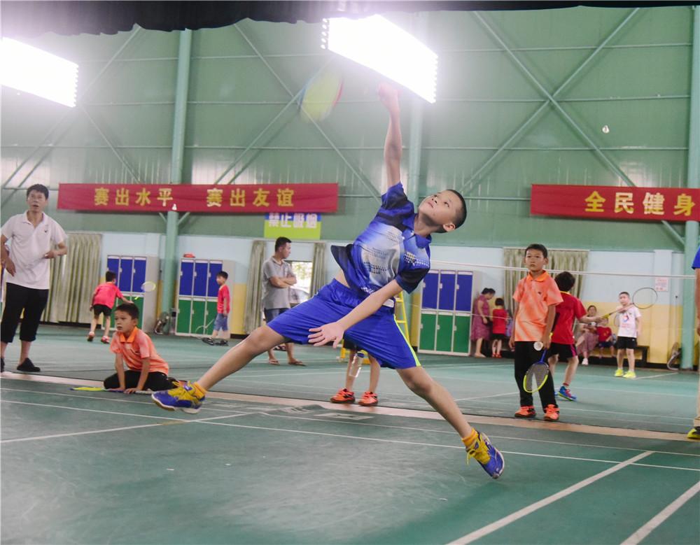 2019年澄迈县青少年羽毛球锦标赛收拍