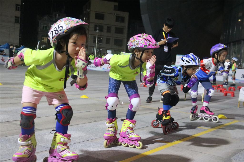 海南省青少年轮滑锦标赛海口落幕 5年办事获认可选手7年坚持为爱加冕