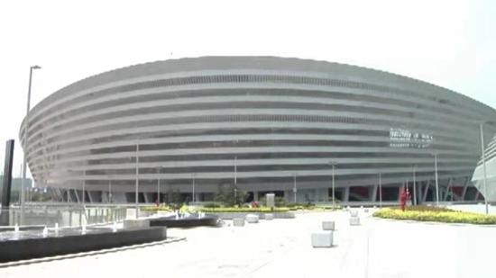 """郑州电视台:""""中中""""带你看盛会 奥体中心惊艳亮相 闪耀绿城"""