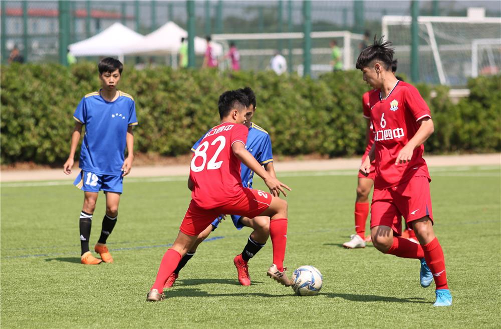 首届琼港澳台青年足球友谊赛海口观澜湖开踢 300余名球员以球会友