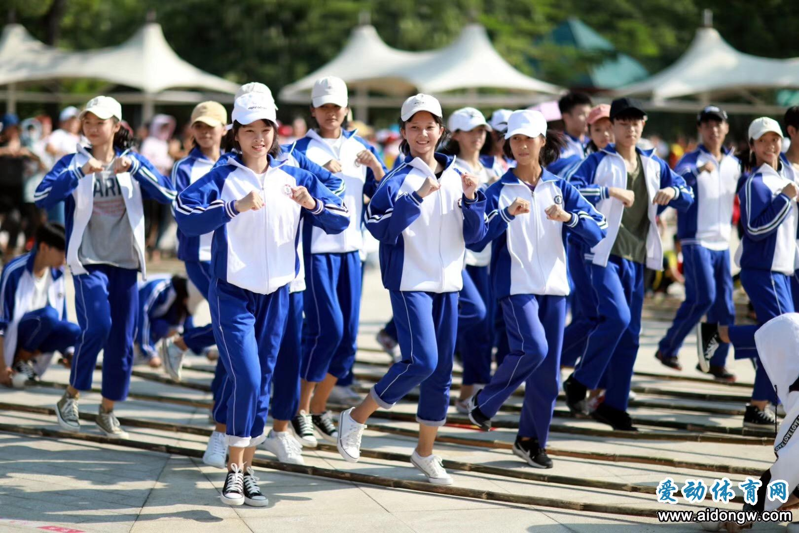 备战海南万人共跳竹竿舞活动  陵水37支队伍准备好了