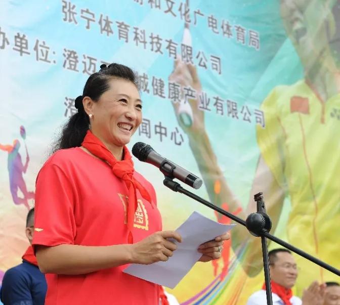 羽毛球奥运冠军张宁走进澄迈校园传播奥运精神