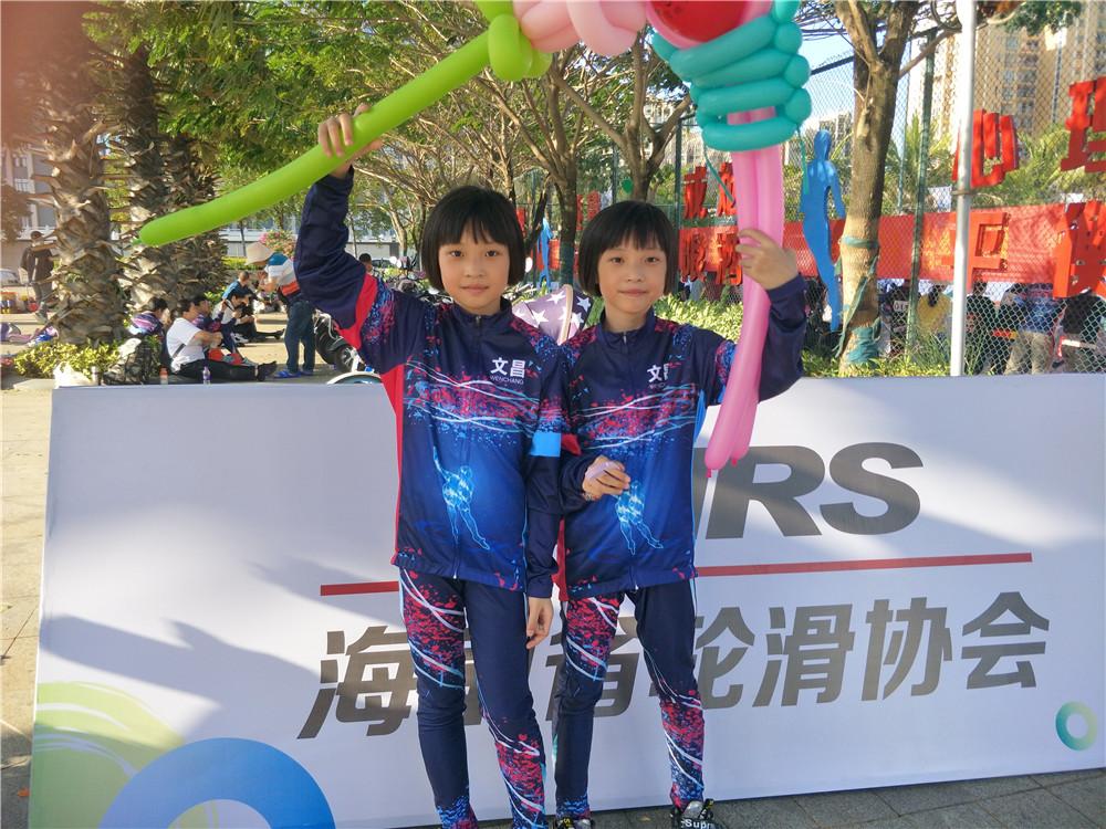 【全民健身运动会故事】轮滑教练来参赛 双胞胎姐妹花惊艳赛场