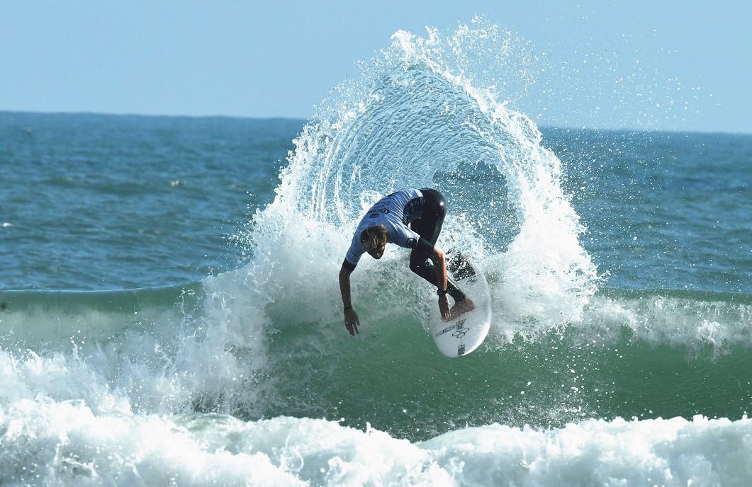 国内外顶级选手逐浪日月湾! 世界短板冲浪挑战者系列赛万宁开幕