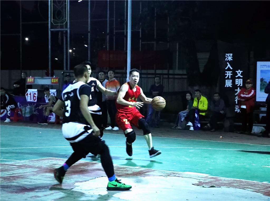 """海口市秀英""""迎春杯""""篮球赛小组赛首轮:传统强队均首战告捷"""