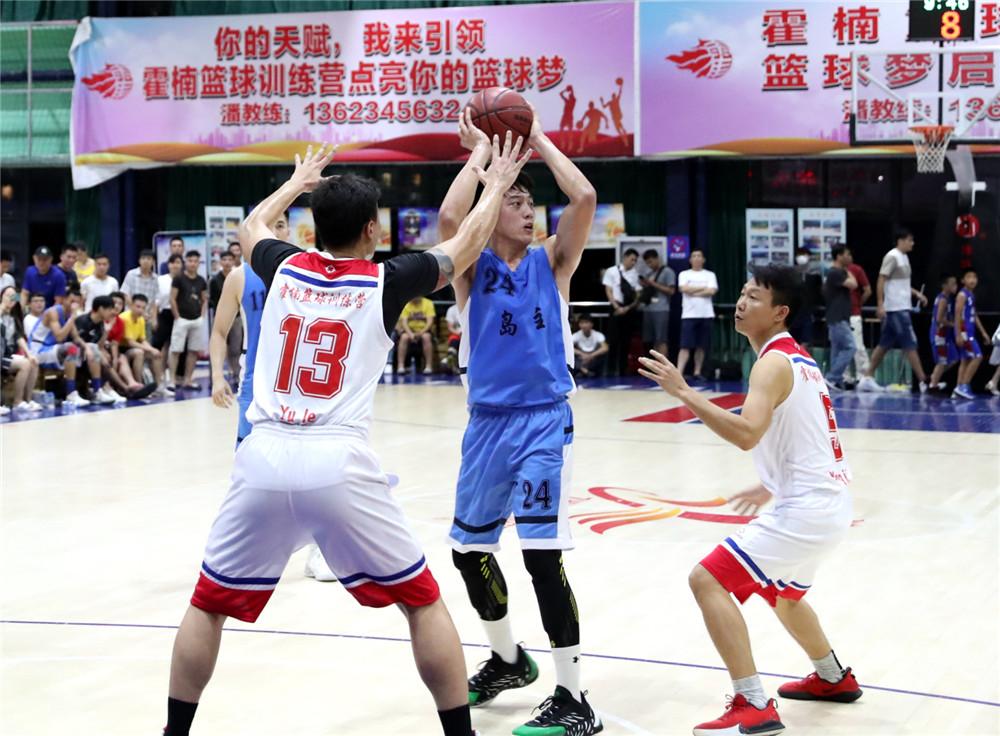 官业佳率岛主队两连胜!w优德88w珠玑体育馆周年庆篮球争霸赛开打