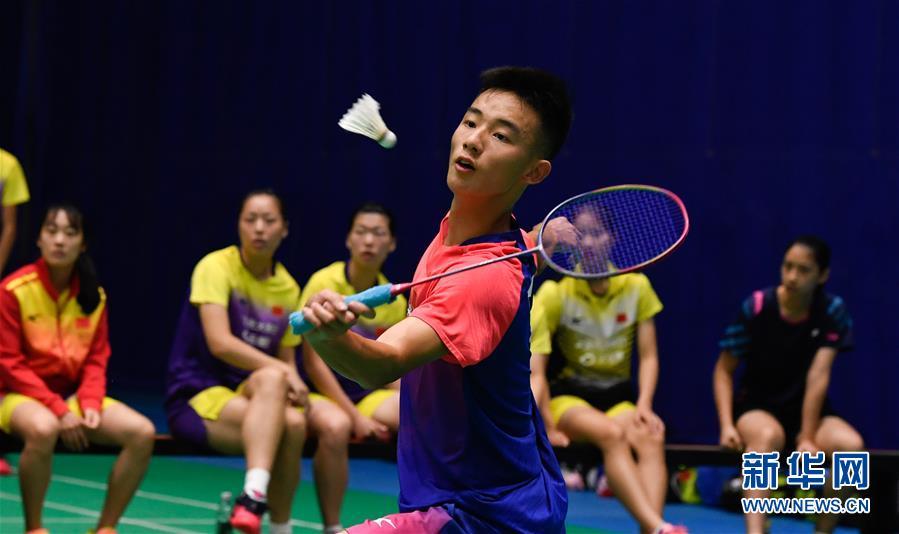 国家羽毛球青年队biwei必威体育备用网站陵水集训 分组对抗检验训练成果