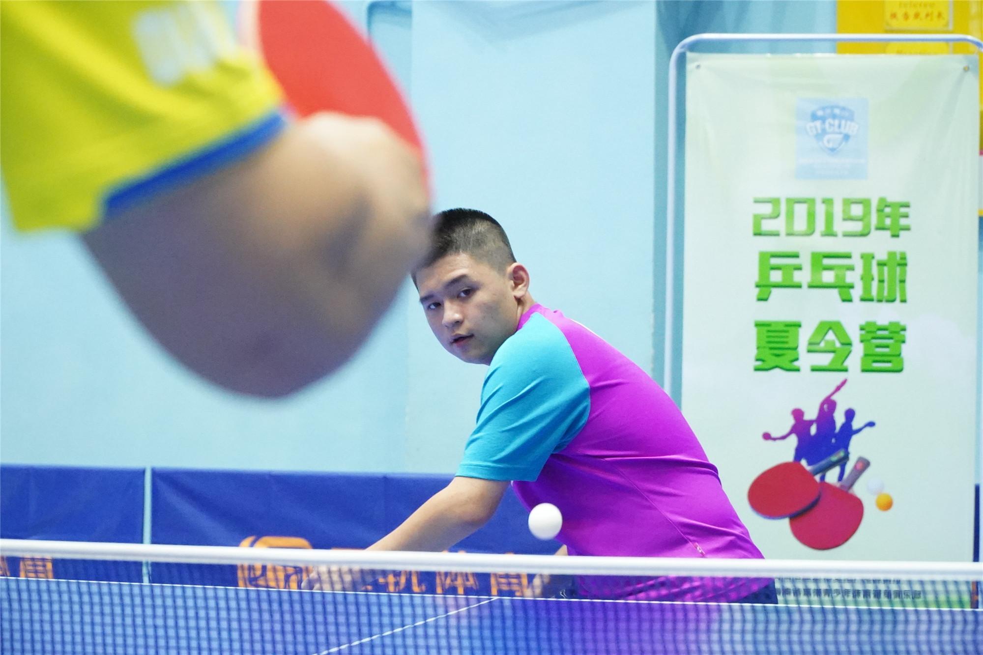 """海南乒乓球小将林诗栋登上《乒乓世界》""""新面孔""""专栏"""
