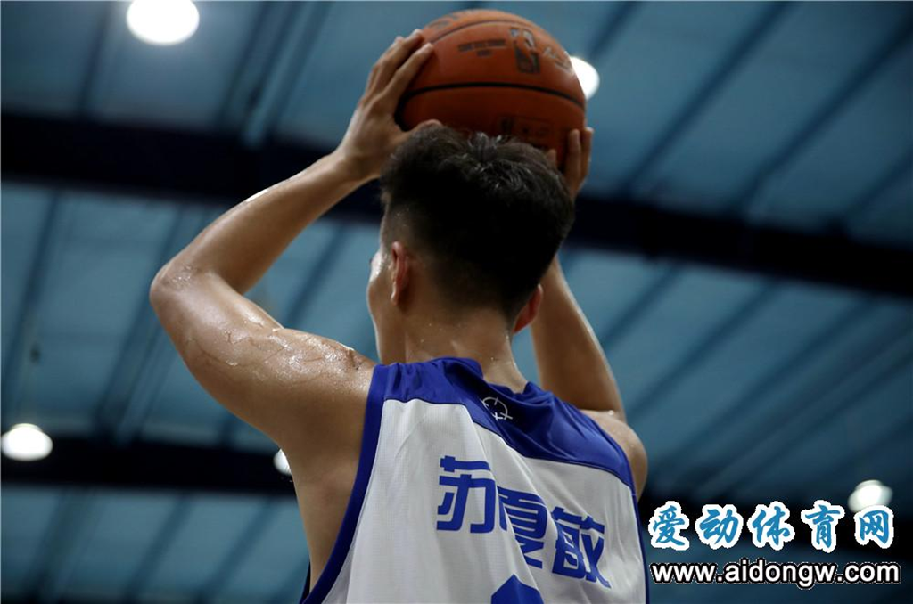 """【视频】biwei必威体育备用网站""""法拉利""""苏夏敏的篮球故事"""
