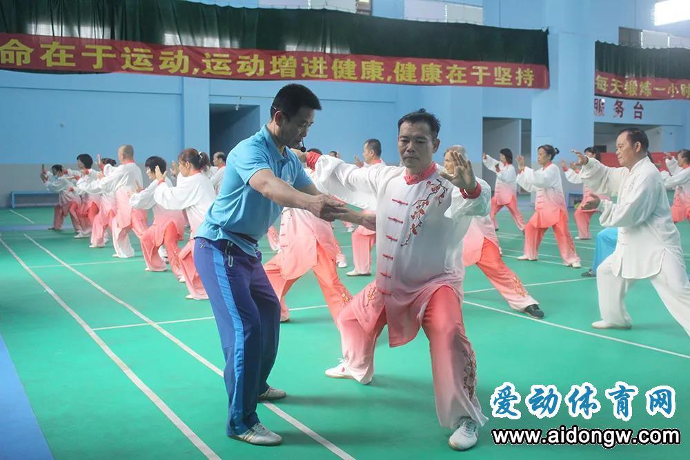 biwei必威体育备用网站社体指导员环岛公益健康行活动(澄迈站)收官