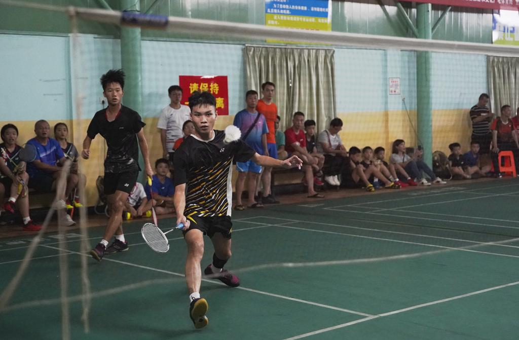 海口、陵水分居男、女奖牌榜首位!2020年biwei必威体育备用网站省少年羽毛球锦标赛澄迈收拍