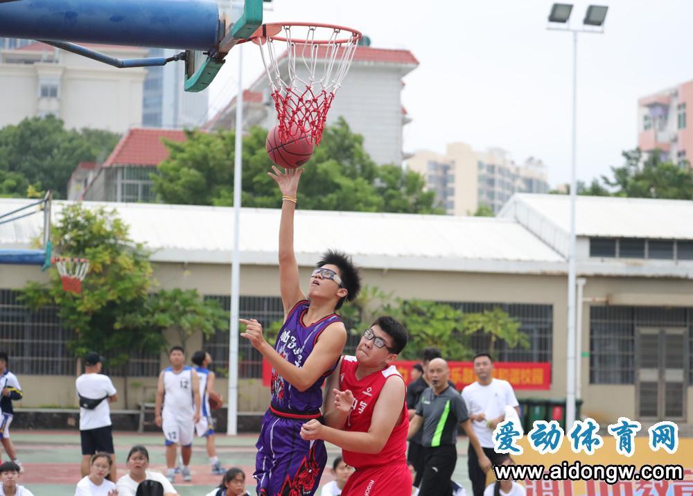 2020海口市中学生篮球赛开幕 700余名学生球员参与