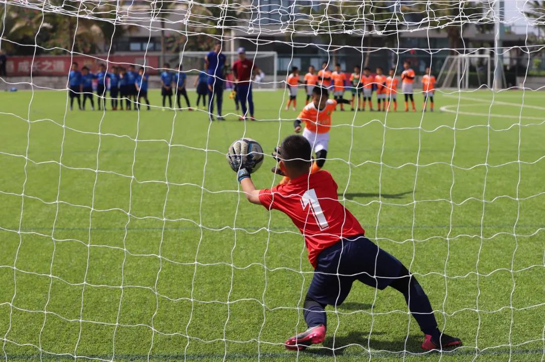 第四届海口巴萨学院杯举行,海南体职院、海口巴萨蓝队分别夺冠