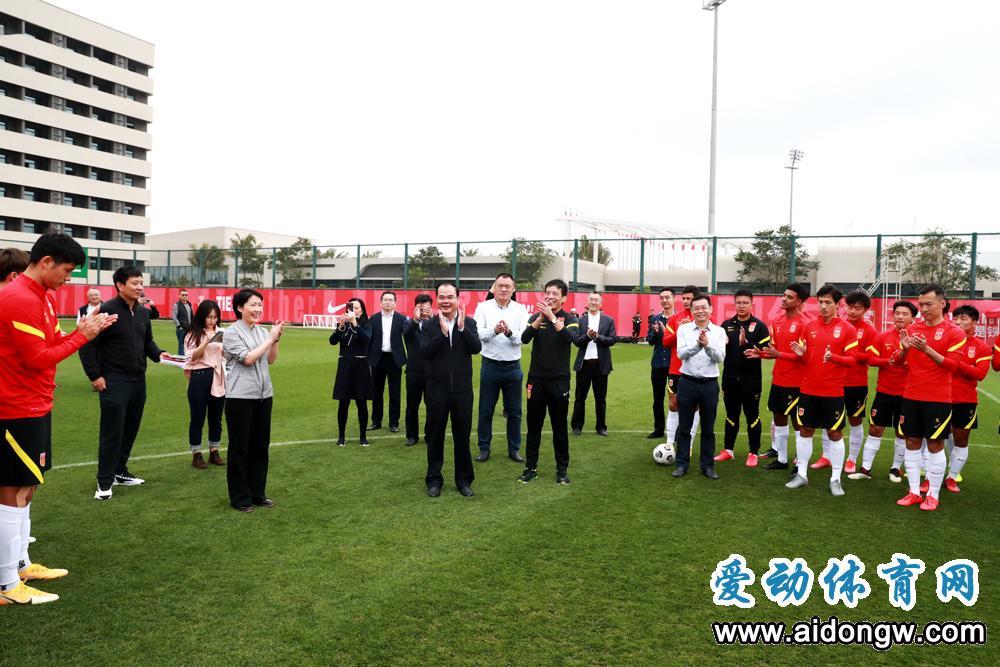 省旅文厅领导春节前看望多支在海南冬训的国家队