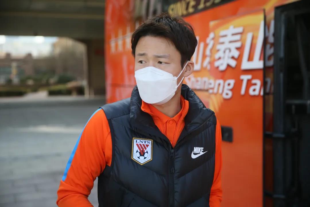 中超球队山东泰山海口集训,将进行热身赛