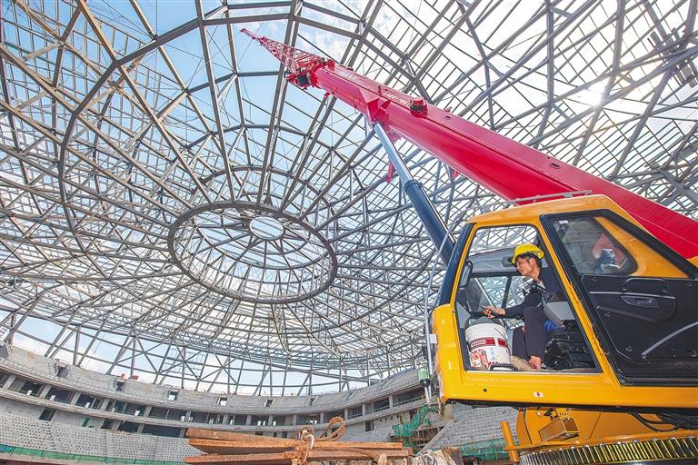海口五源河体育馆进入内部环节施工 项目总进度超过60%