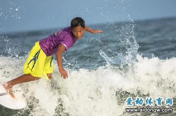 全国政协委员施宗伟建议:发挥优势建立万宁冲浪体育产业园区