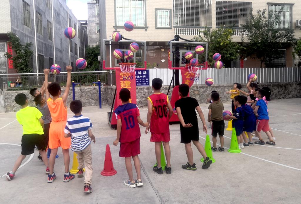 乡村振兴+强健体魄!儋州清平村委会全年开设周末篮球公益课堂
