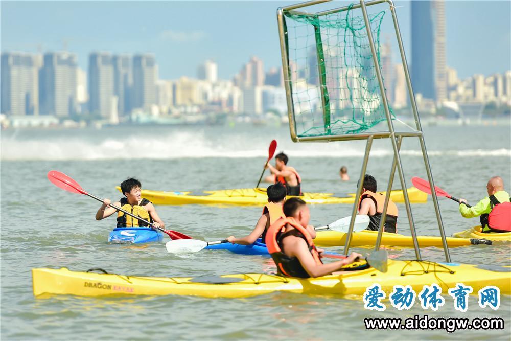 海南(海口)皮艇球体验日活动海口假日海滩举行